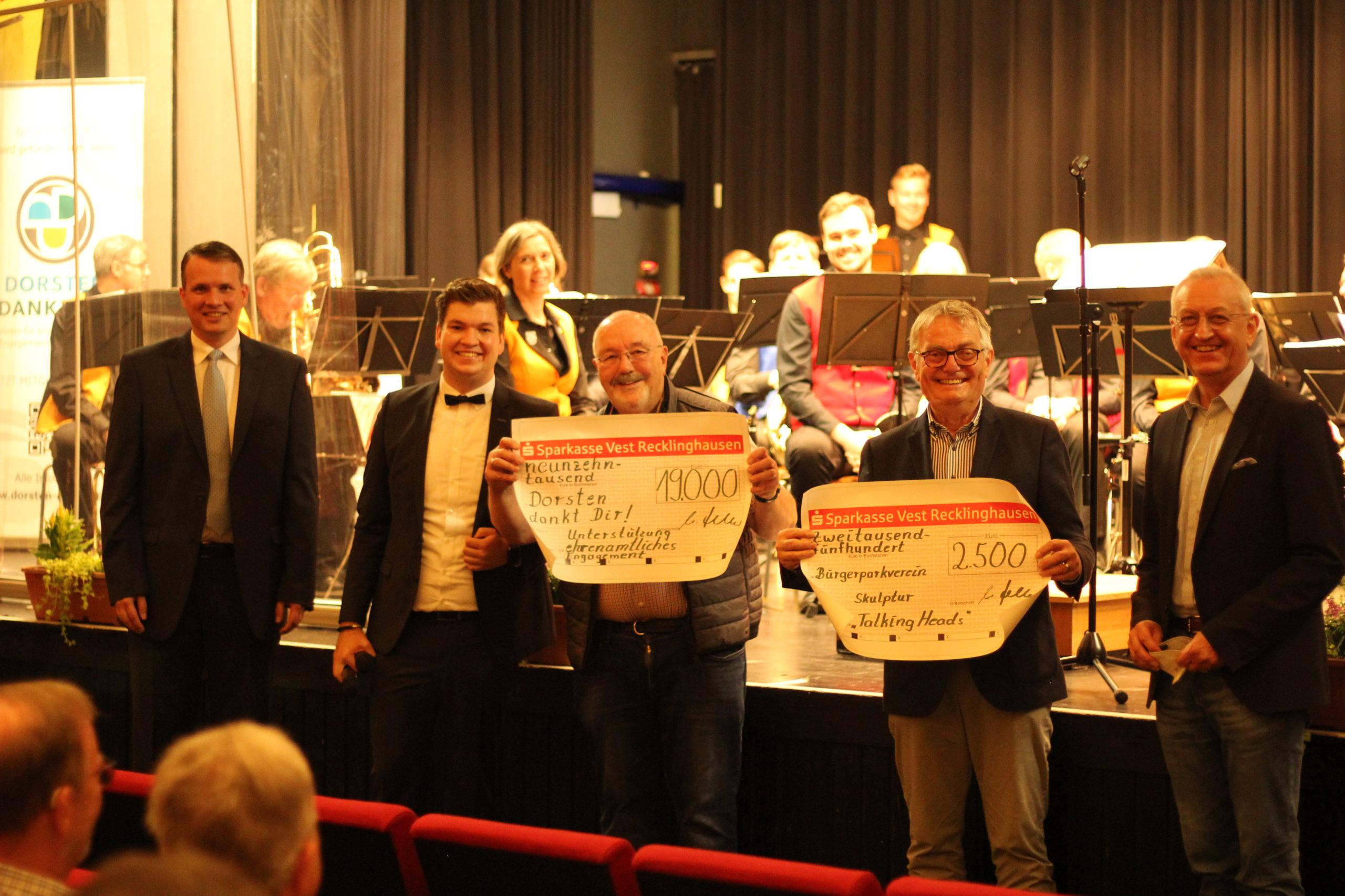 Sparkasse auf Mission Ehrenamt: Ein Konzert mit Spendenübergabe