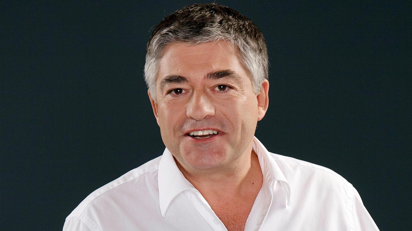 Axel Naumerpräsentiert seine WDR 5 RadioshowinDorsten